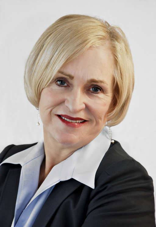 Lynne C Moon