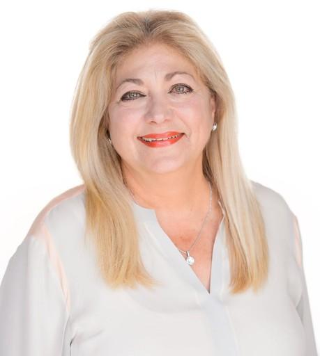 GLORIA S CARTER